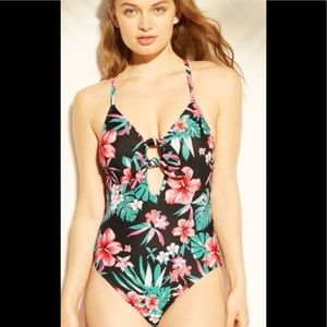 Shade & Shore Tie Front One Piece swimsuit Large